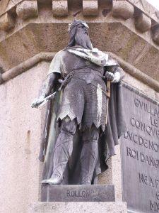 800px-Rollo_statue_in_falaise