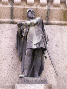 800px-William_longsword_statue_in_falaise